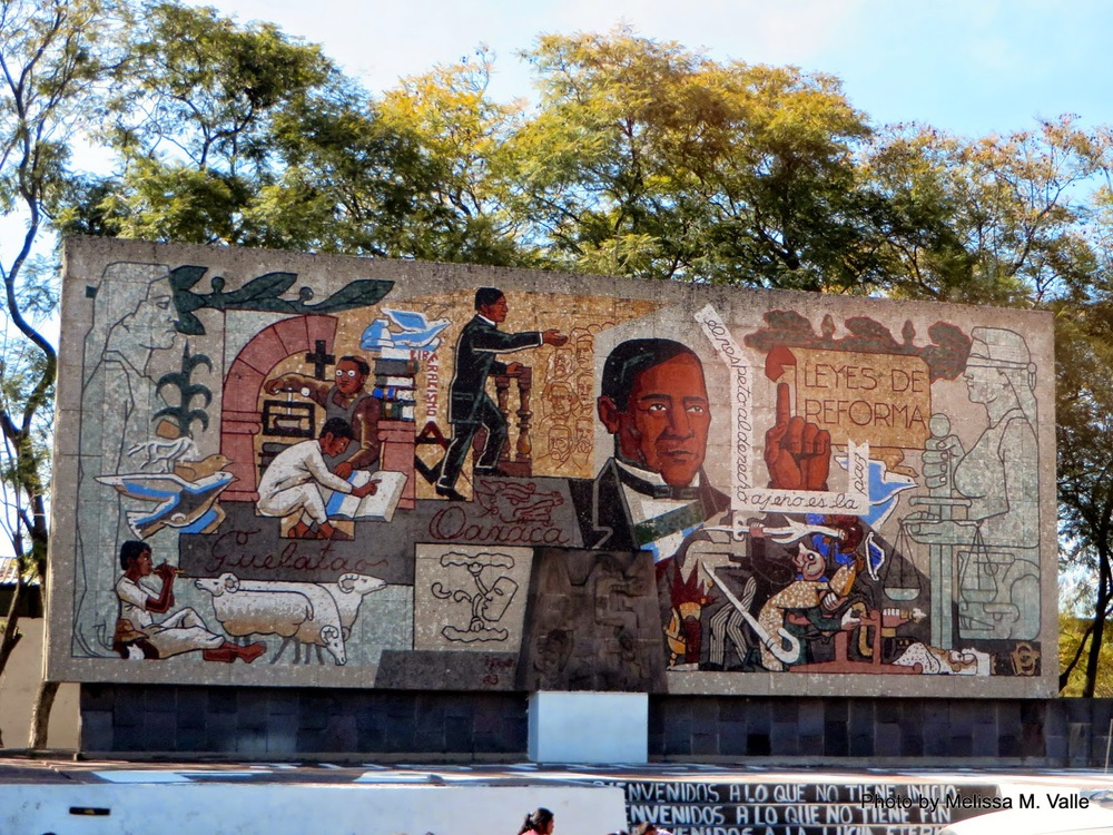 Mural en route to Hierve el Agua. I love how richly brown the people are depicted here. #orgullo