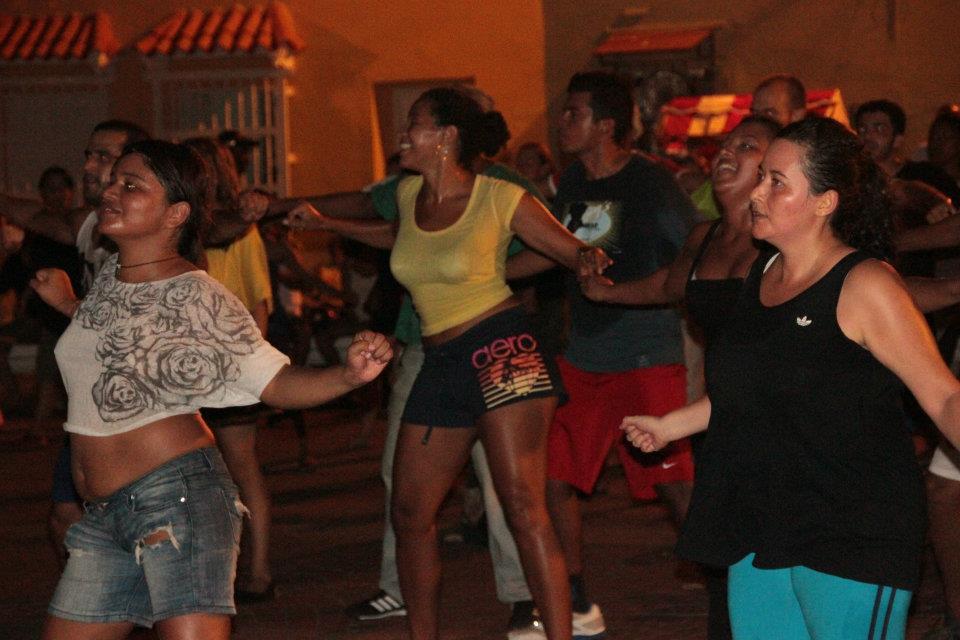 7.15.12 Zumba en la Plaza de la Trinidad (3).jpg