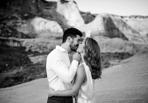 Couple has wedding at Amangiri resort