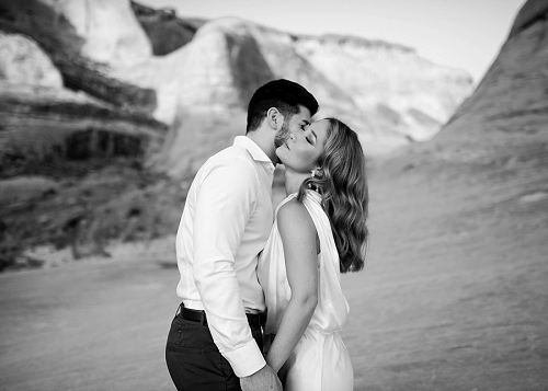Couple is romantic at Amangiri resort