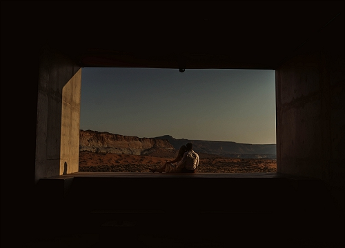 Couple enjoys the view at Amangiri resort