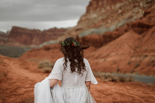 bride in Utah desert