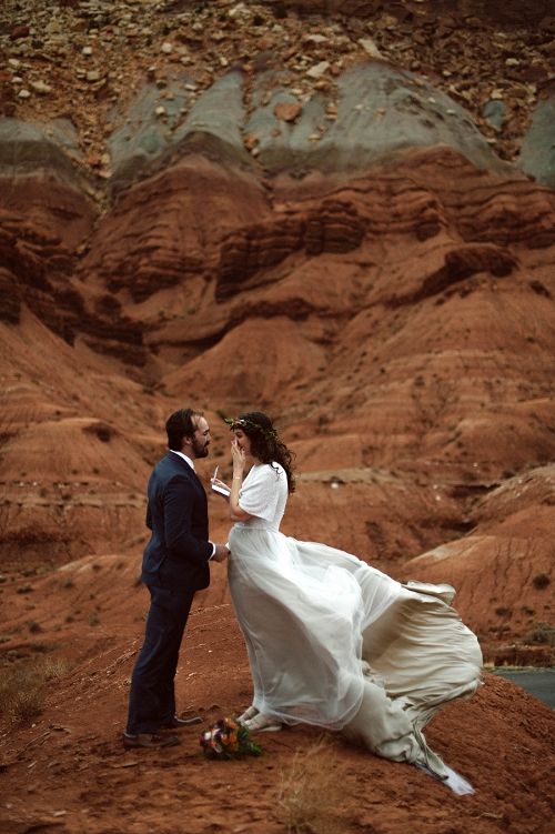 Windy elopement in Capitol Reef