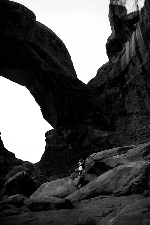 Couple engagement shoot at Arches National Park