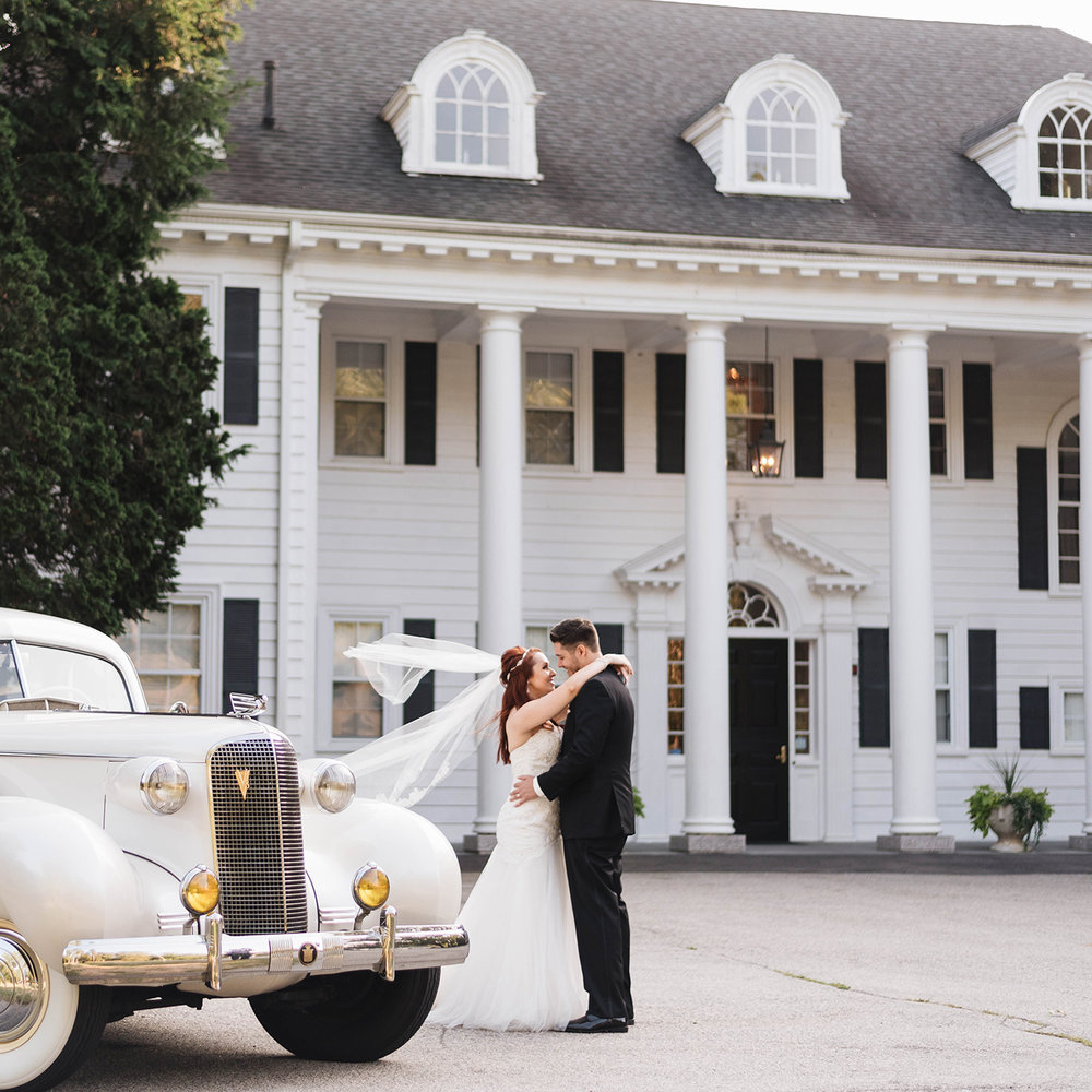 An Elegant and Classic 1920's Theme Wedding -