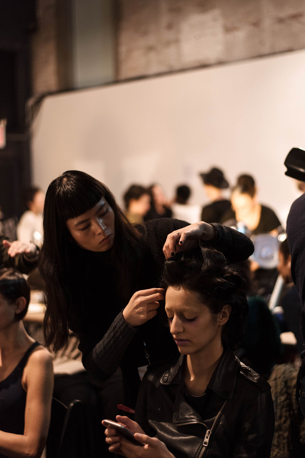 nyfw-backstage-fashion-photographer.jpg