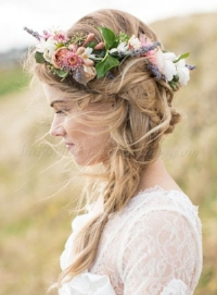wedding-hairstyle-with-floral-crown-lovedalephotography_b.jpg