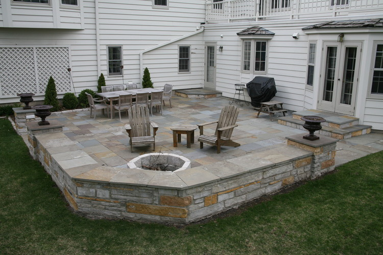 all purpose backyard patio sitting wall - Patio Designs