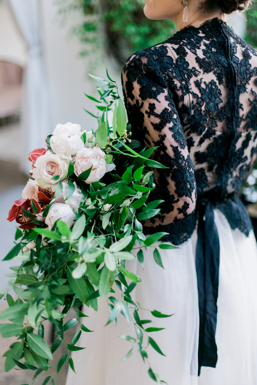 burlap-and-bordeux-steven-leyva-photography-villa-and-vine-wedding-styled-shoot2.jpg
