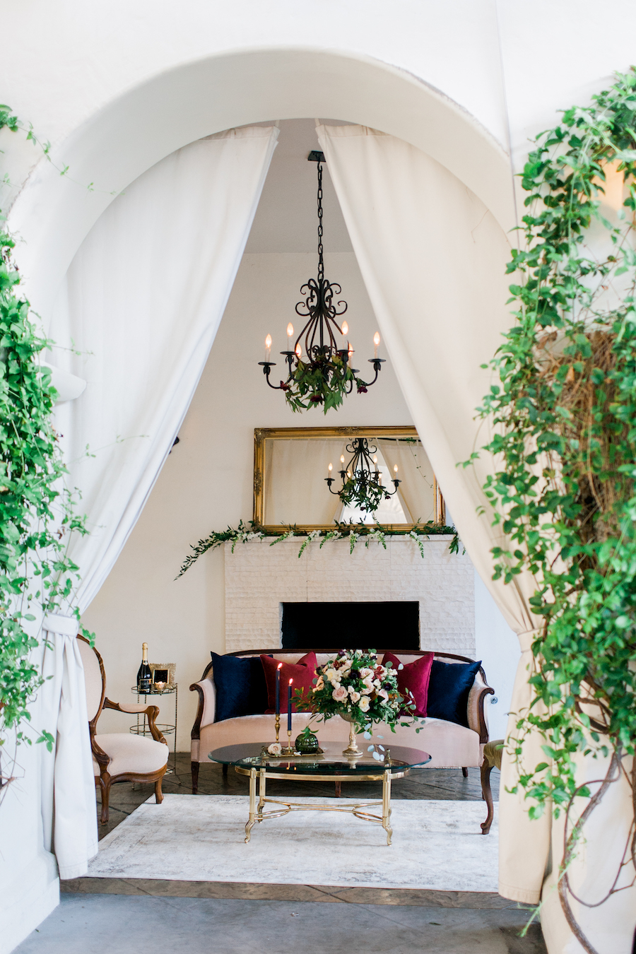 burlap-and-bordeux-steven-leyva-photography-villa-and-vine-wedding-styled-shoot6.jpg