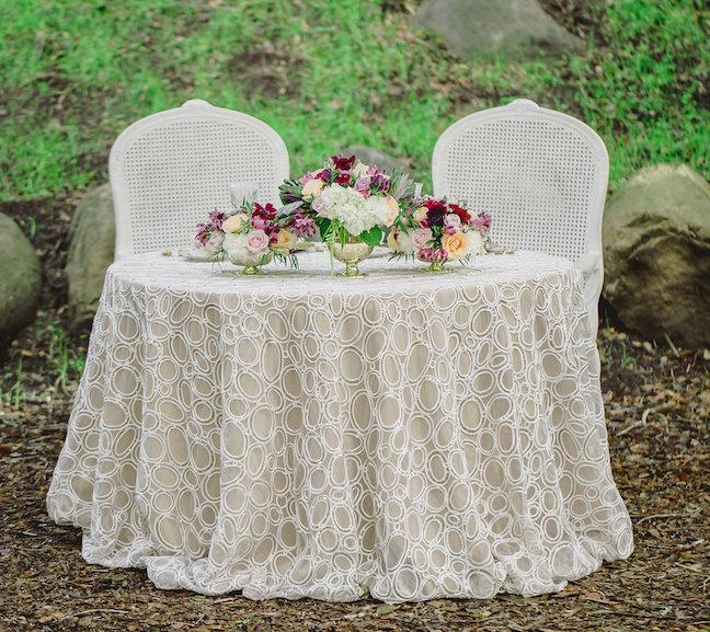 Romantic-Styled-Shoot-Luxe-Linen-8-e1421796176208.jpg
