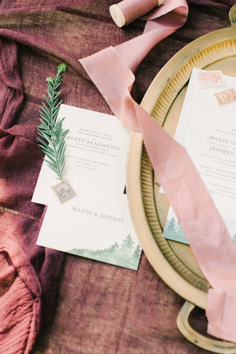 burlap-and-bordeaux-wedding-planning3.jpg