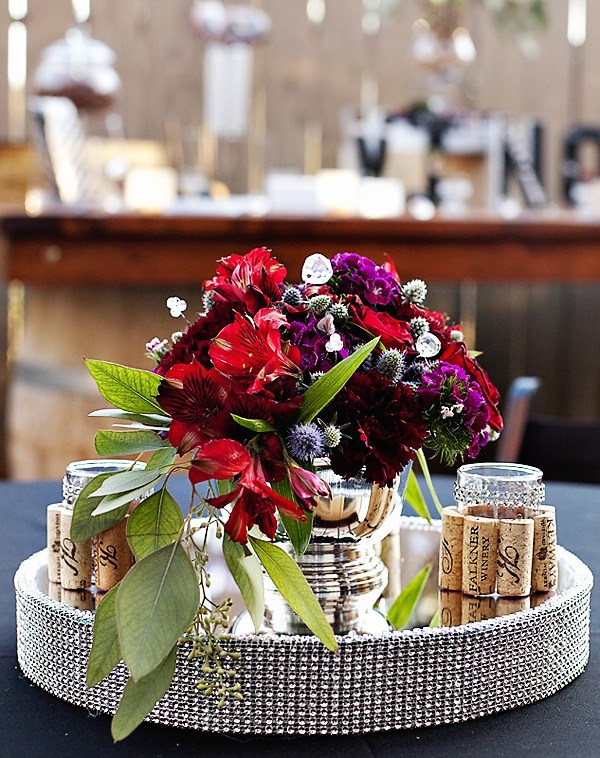 hostess-with-the-mostess-burlap-bordeaux-wine-tasting-party-feature1.jpg