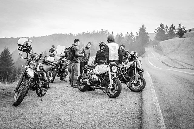 Great ride yesterday with most of the original @thehandsomelads crew. Riding with these guys is where it really all started for me shooting motorcycles and our culture, so I was feeling a bit nostalgic as we rolled out on the roads of Mt.Tam together, just like back in the day. People move away and start families, bikes come and go, and yet some other things, like the camaraderie and ball bustin', don't change a bit. 😎