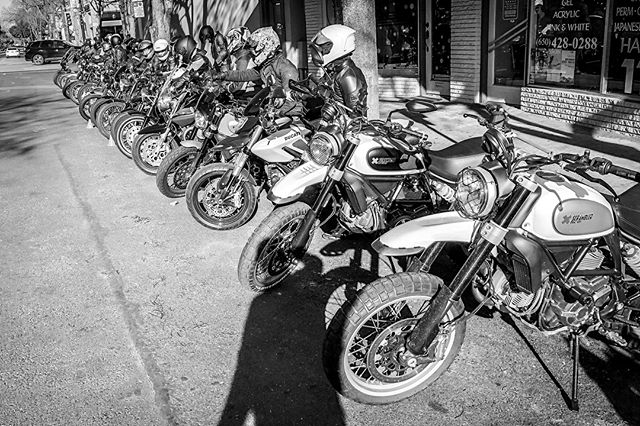 "A very big thank you to the +50 of you who rode out to @redrockcoffee yesterday for our group ride and art show ""You Meet the Nicest Artists on Motorcycles"". I was honestly overwhelmed by the amount of support shown and can't express enough how grateful I am for our motorcycle community. Big thank yous go out to @garyjboulanger @sundaymotoclub @redrockcoffee @inked_iron @henrijbee"