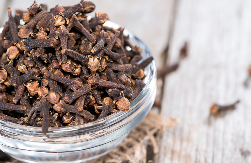 cloves large.jpg