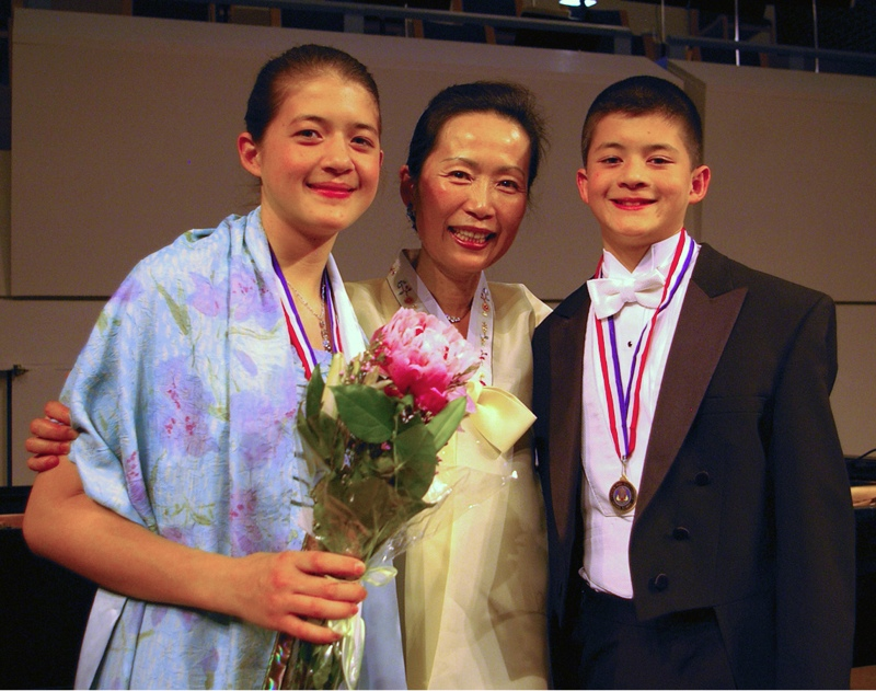 aOlson Ms Kim 2010 Concerto 042410 -4.jpg