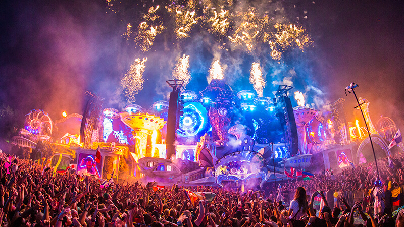 Tomorrowland - 2Cre8 Live at Main Stage 2021?
