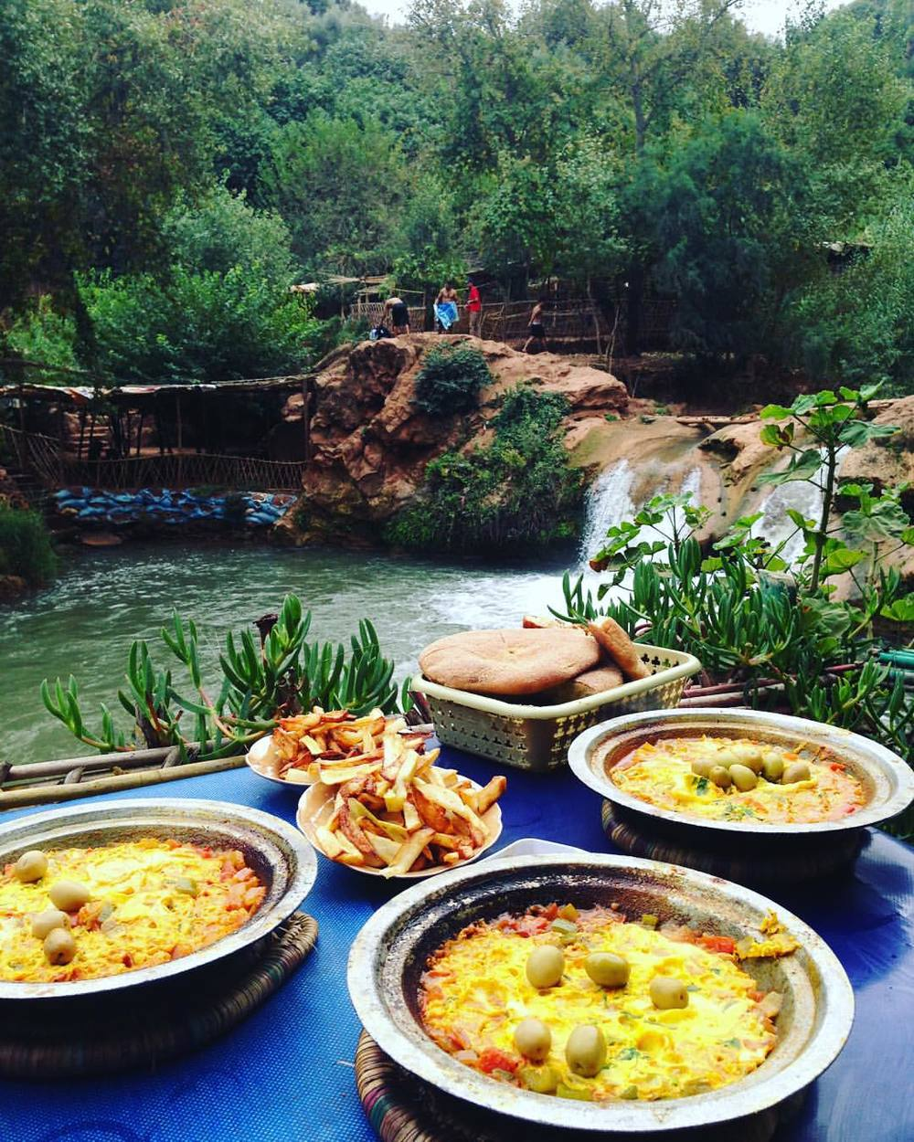 Moroccan Feast with a view, best food yet! Berber omelette 👌🏽💙🍳💚💦 @ashleybeer @hannahirschfeld