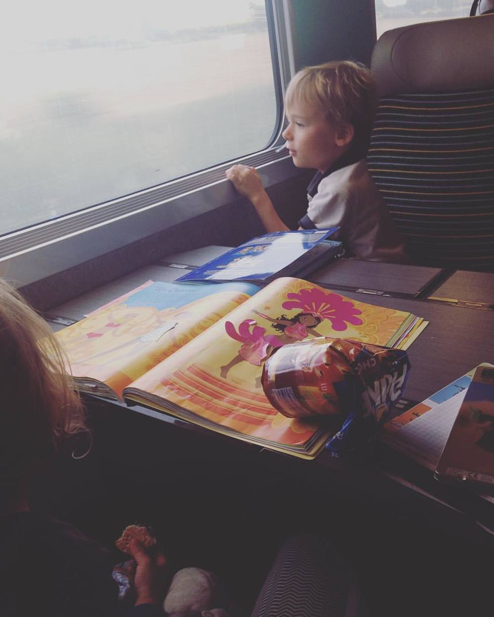 On the train back to Pari-  I've traveled with these cuties for the past two months around France on their summer holidays. Gonna suck if I have to say goodbye. 👫👭