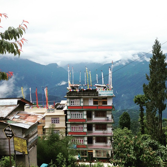 View from the hotel 👌🏽🗻🏯🌁⛲️ #Pelling, #Sikkim. #IncredibleIndia
