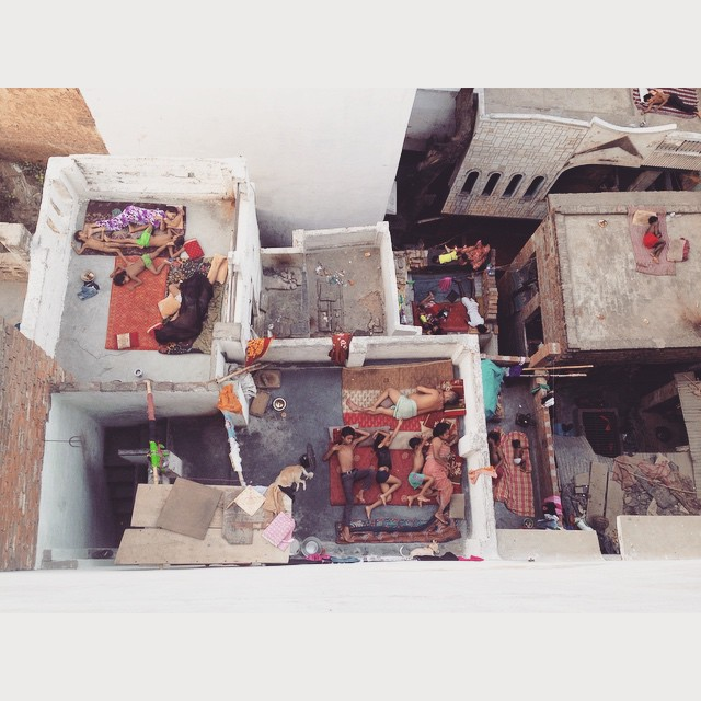 #Rooftop sleeps in the gorgeous #Varanasi🌌 😴🌛🌅🙏🏾 #picoftheday #Incredibleindia #travel #yazontour #exploring #india