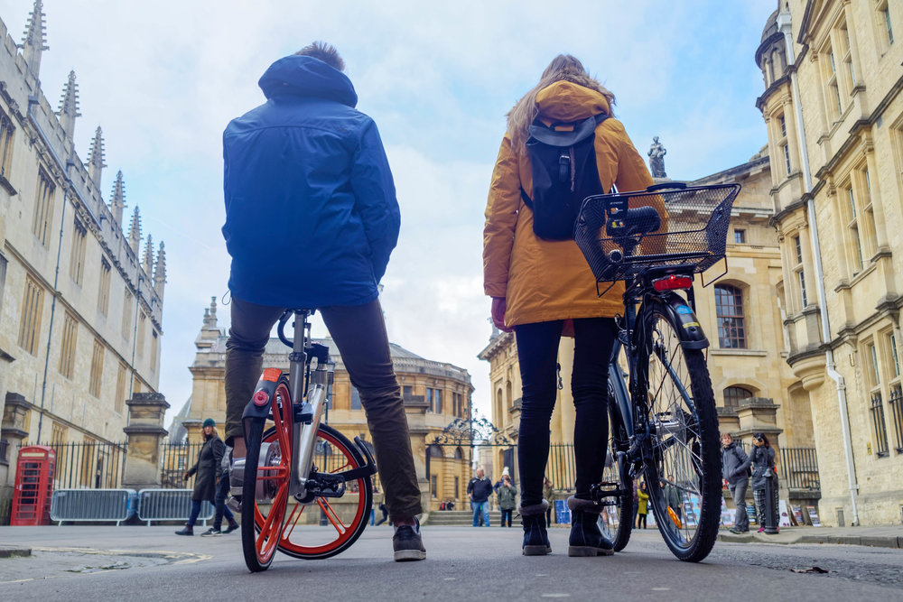 The quintessential Oxonian winter day--cycling through city centre for a view of the Sheldonian Theatre and Bodleian Library. Photo ops aplenty!