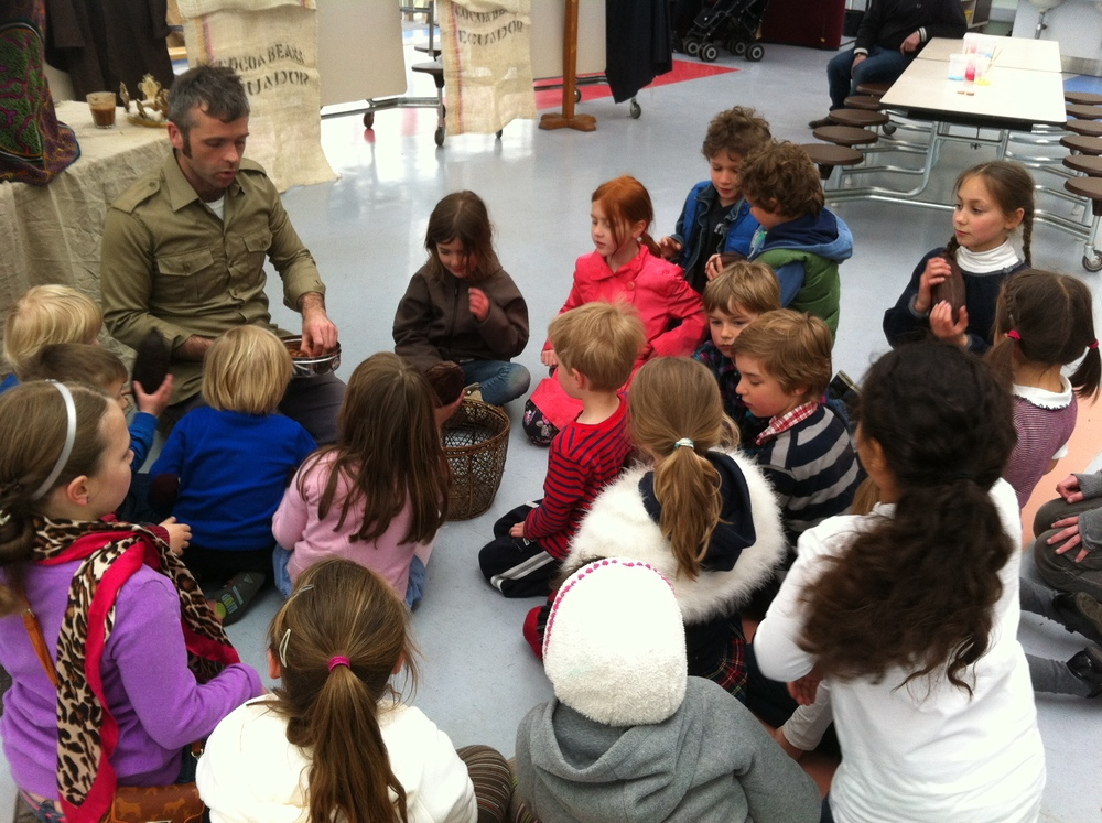 Kew with kids.JPG