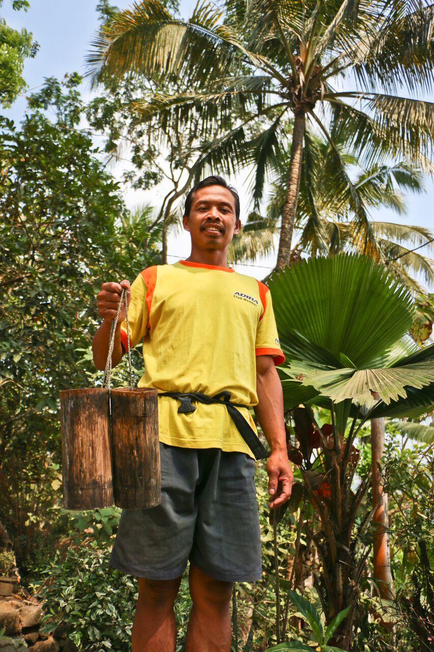 CoconutSugar-farmer2.jpg