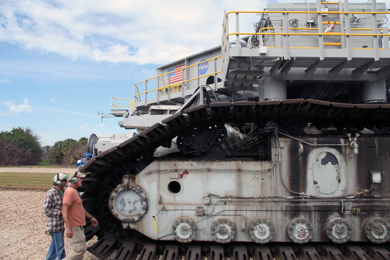 Cape Canaveral: : Close up of the Crawler-Transporter