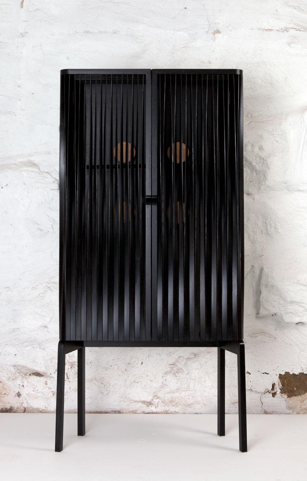 Cabinet-Luftig-Garderob.jpg