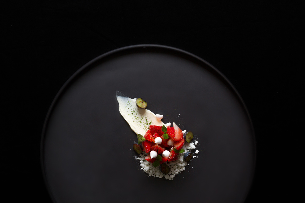 Strawberry, creme fraiche, white chocolate and meringue