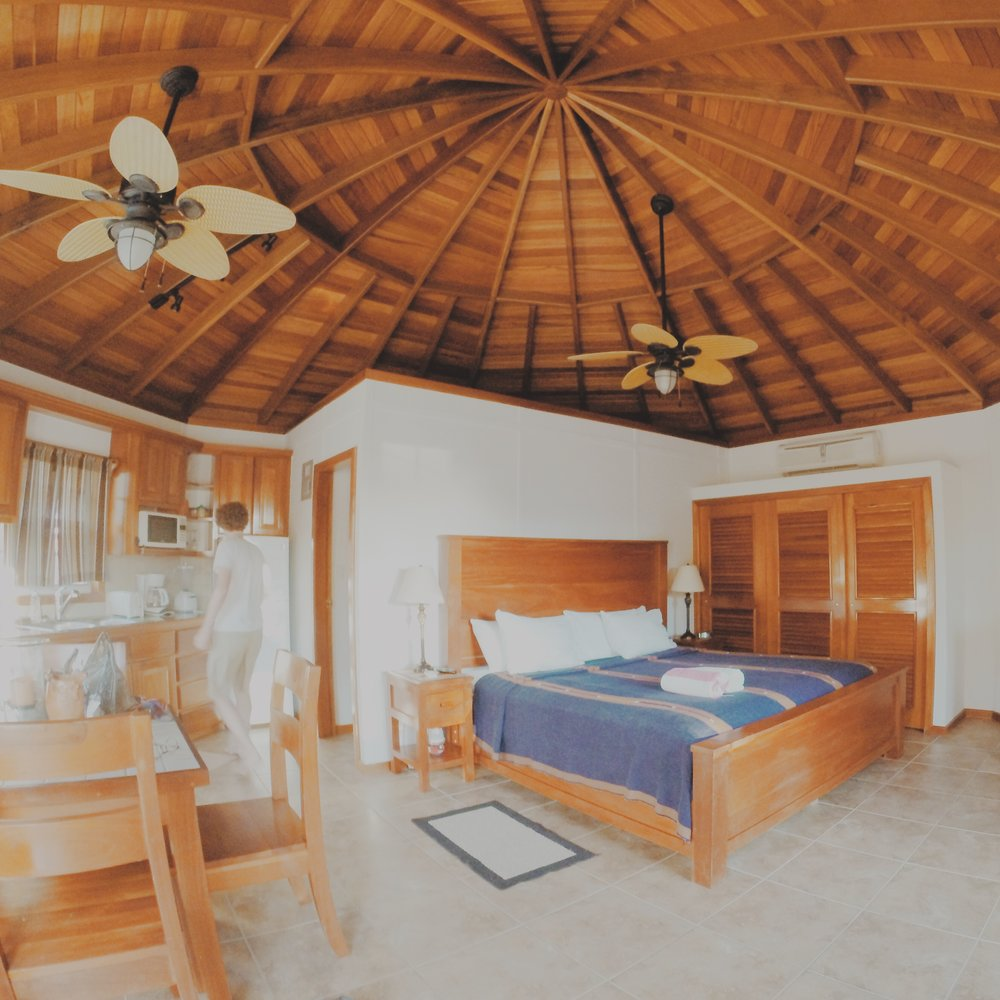 San Pedro, Belize travel guide. Cocotal Inn and Cabanas.