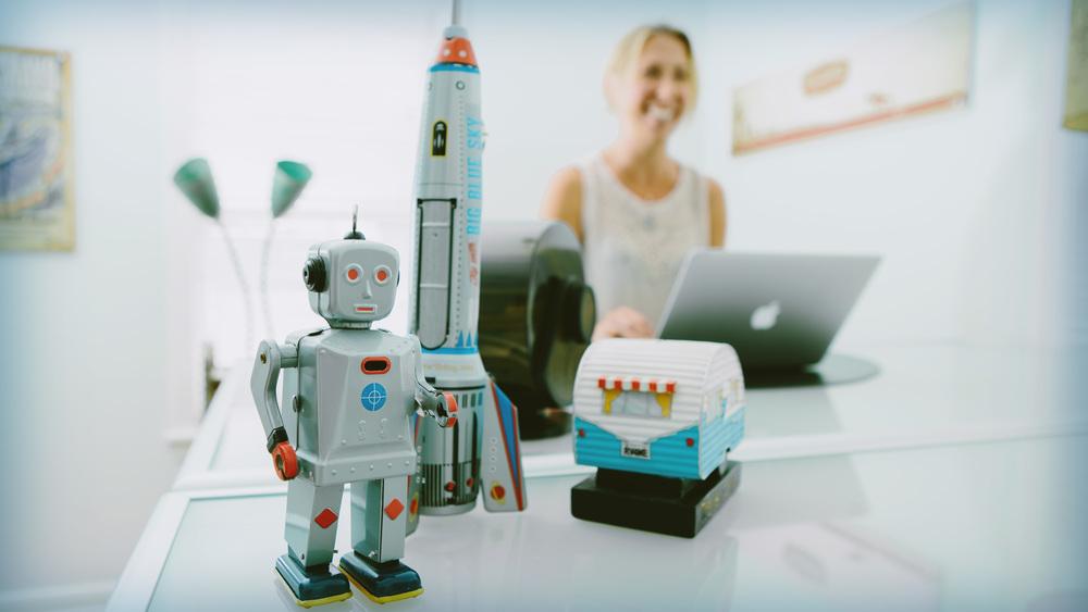 Robot_16x9.jpg
