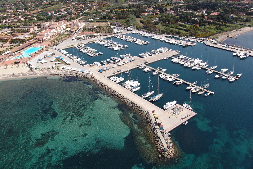 Marina di Capitana - drone view, berths, boats and fuel station