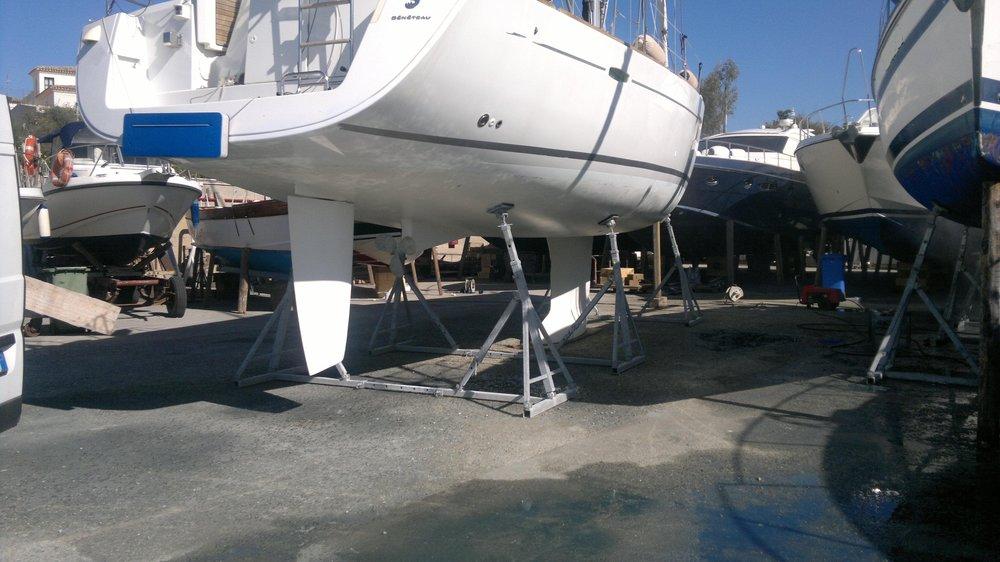 Cavalletti regolabili per barche a vela | Cantiere Nautico Marina di Capitana