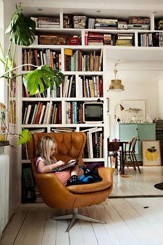 modernchair,whitefloor.jpg