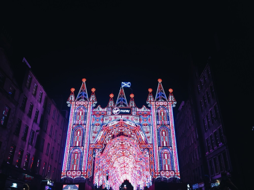 SOA_Edinburgh-Scotland-virgin-money-holiday-christmas-light-show.jpg