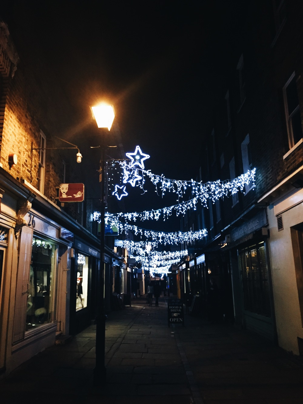 SOA_Camden-Passage-Islington_Holiday-lights.jpg