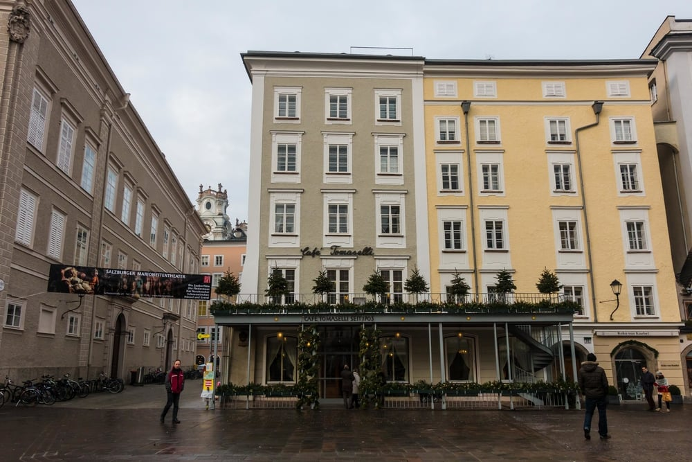 SOA_Salzburg-Austria-cafe-tomaselli.jpg