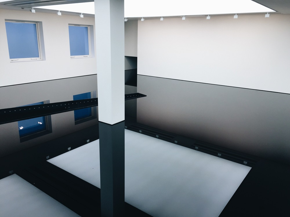 20:50 by Richard Wilson, 1987