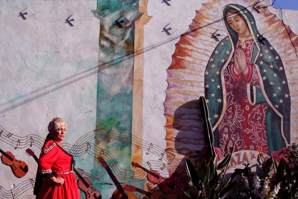 La Carinosa y La Virgen copy.jpg