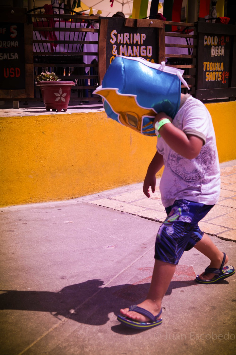 Super kid spotted in Cabo.jpg