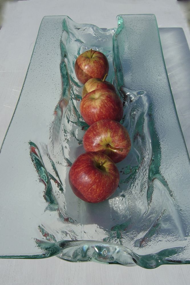 trough with apples.jpg