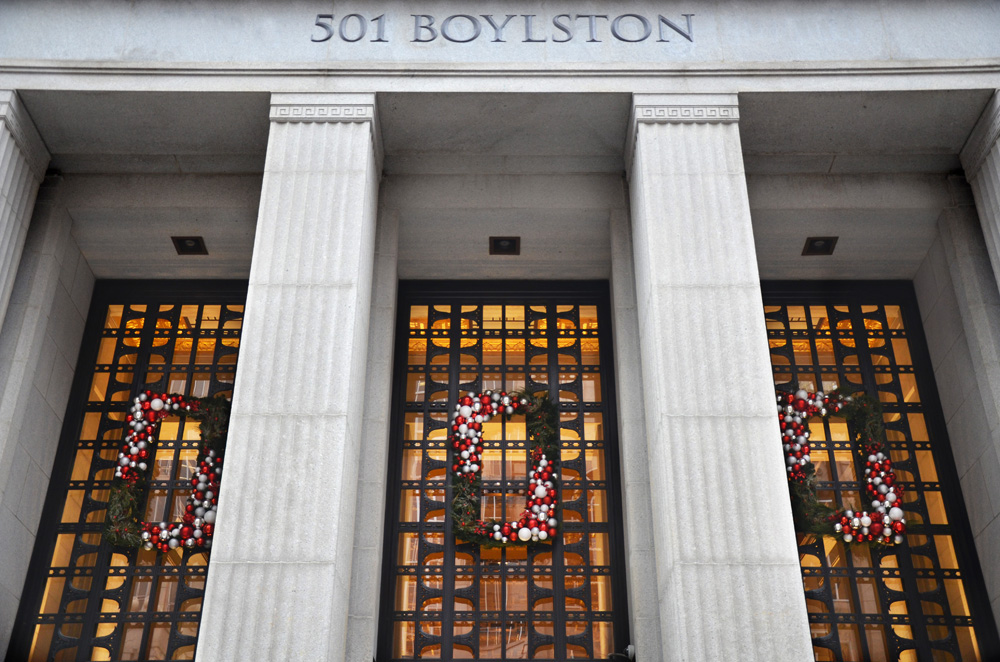 Holiday 2016_501 Boylston Wreath rectangle web.jpg