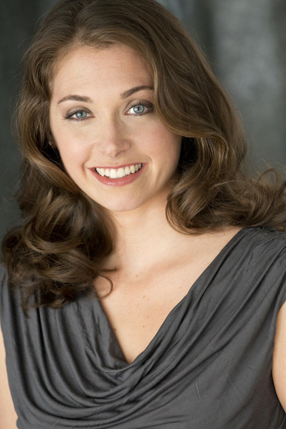 Heather Petrie,  Contralto