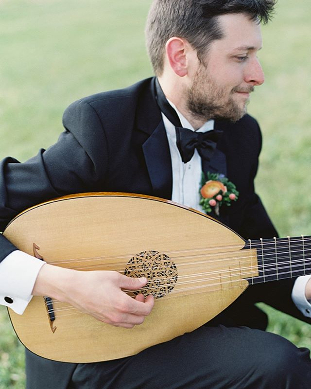 """Lutenist Charles Weaver will be joining Voices of Ascension for our upcoming concert Lassus & Byrd: Masters of the Renaissance. He is on the faculty of the Juilliard School where he teaches historical plucked instruments and Baroque music theory. He was music director for Cavalli's La Calisto with New York's Dell'Arte Opera in summer 2017, when The Observer remarked on """"the superb baroque band led by Charles Weaver...it was amazing to hear what warm and varied sounds he coaxed from the ensemble."""" Purchase tickets to hear him perform live! http://voarenaissance.bpt.me  #charlesweaver #lute #lutenist #julliard #baroque #renaissance #renaissancemusic #choral #choir #vocal #classical #classicalmusic #lassus #byrd #nychoral #nyc #ny #voicesofascension #concert #composer"""