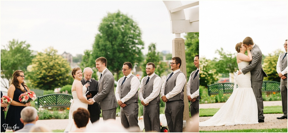 Minnehaha-Falls-Minneapolis-Wedding