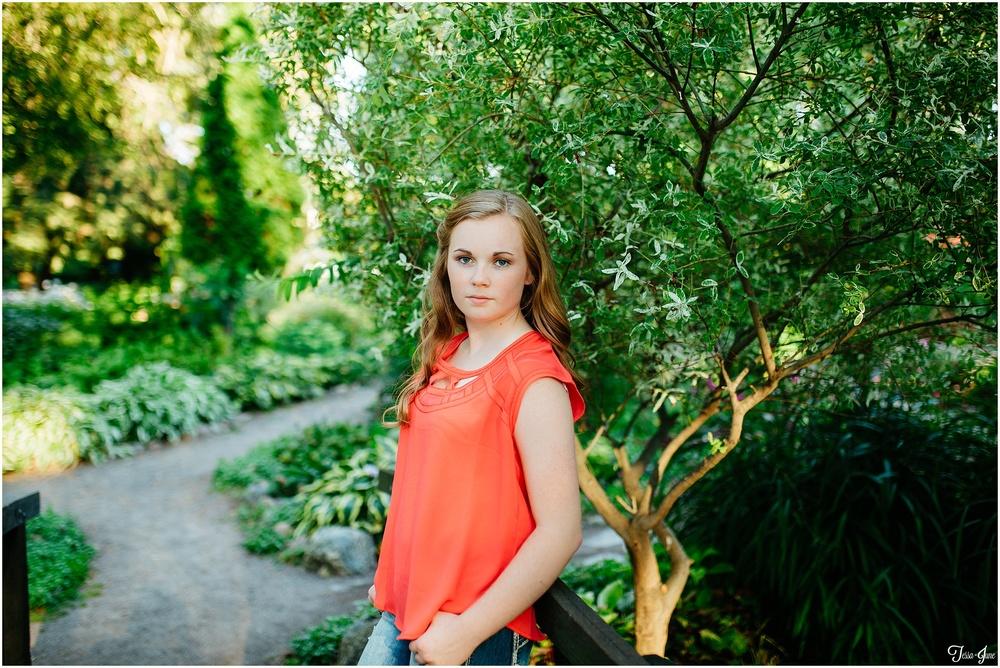St-Cloud-Minnesota-Photographer-Senior-Munsinger-Gardens