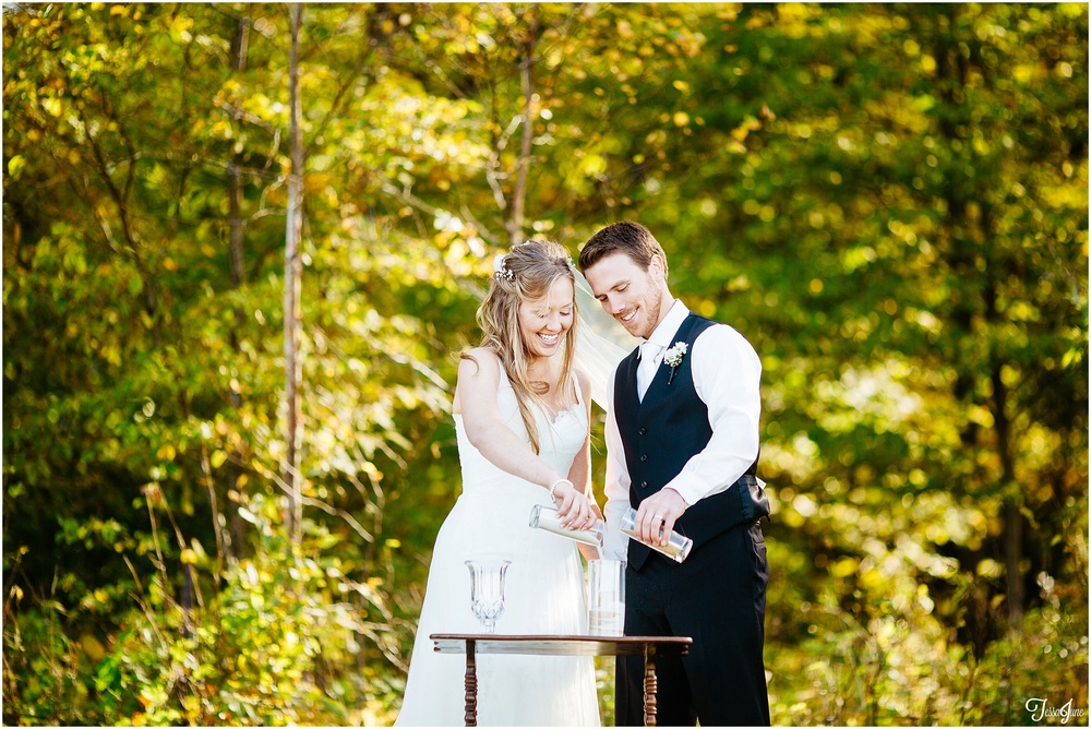 osakis-alexandria-st-cloud-minnesota-fall-outdoor-field-wedding-barn